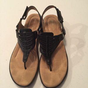 Naturalizer sling back thong shoe